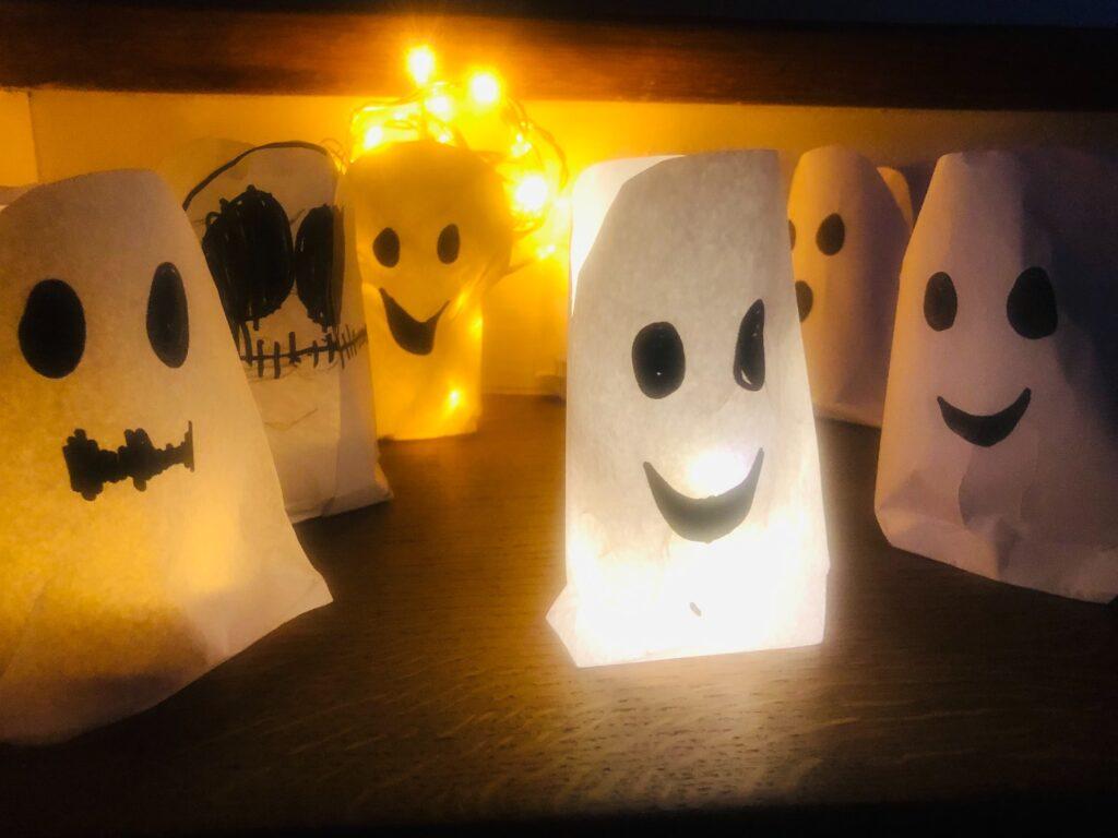 Leuchtende Gespenster – Tüten & Gefüllte Gespenster