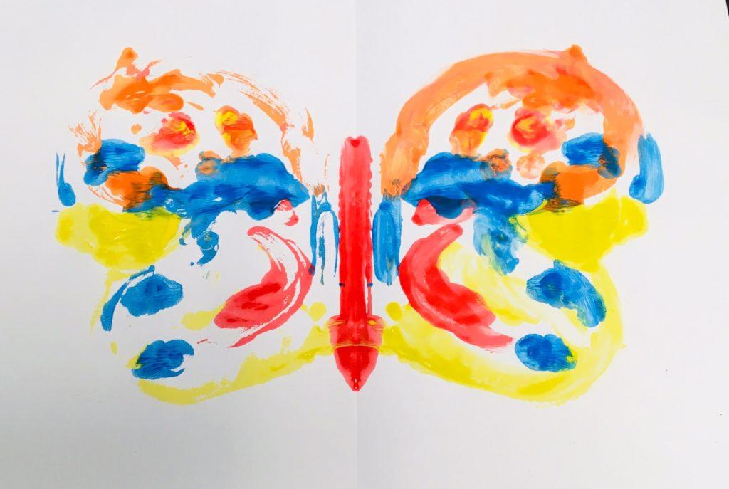 Schmetterling mit Fingerfarben