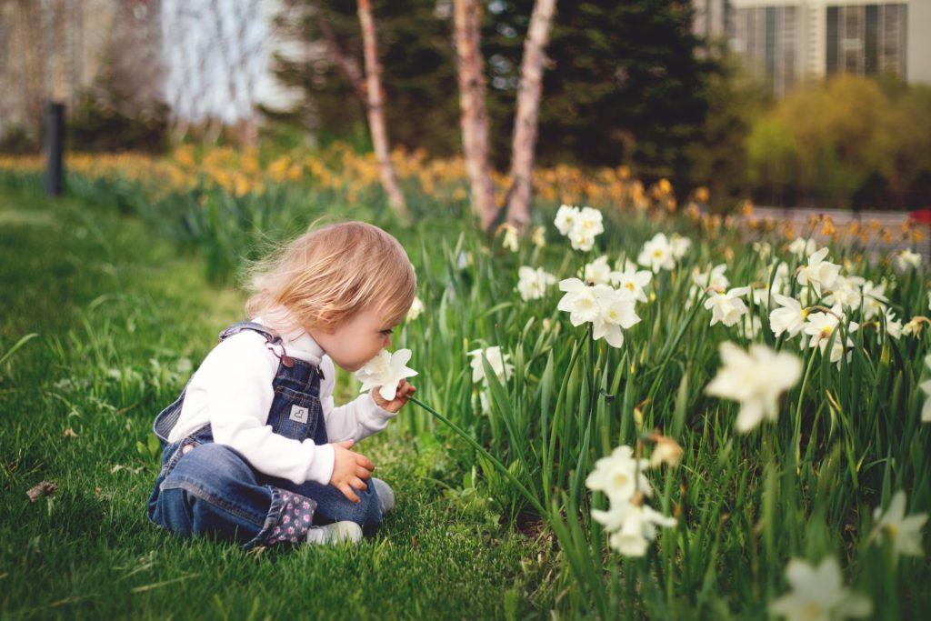 Natur erleben und Blumen riechen
