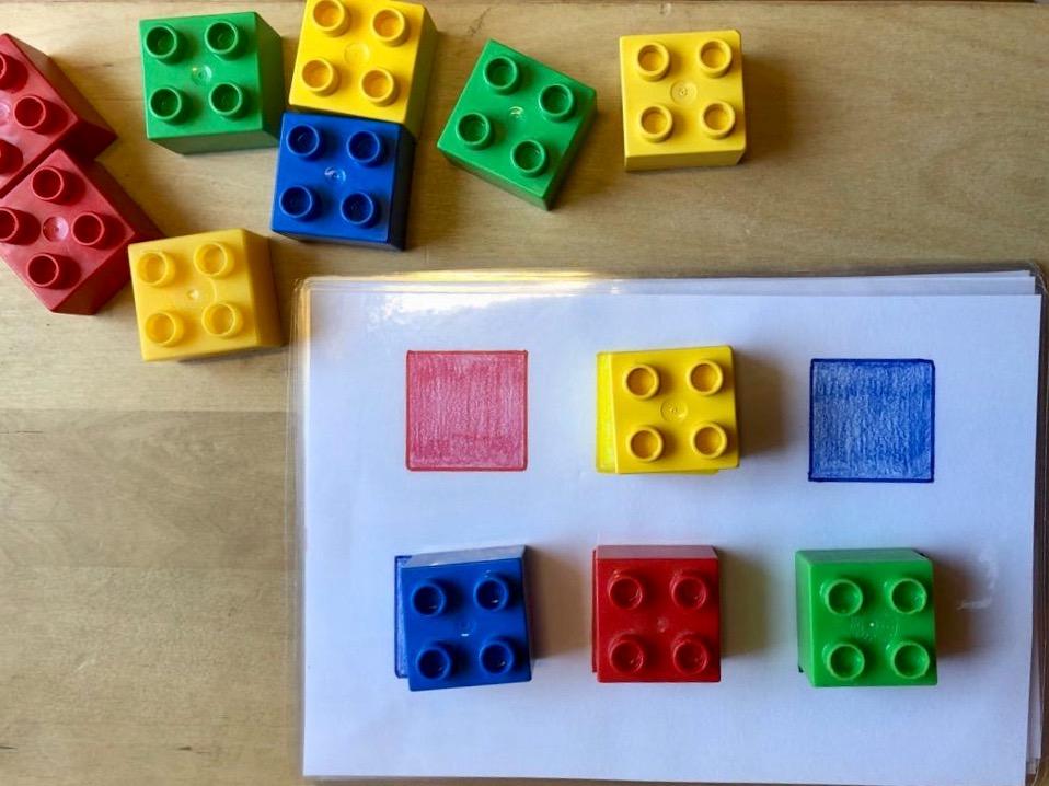 Farben lernen mit Legosteinen