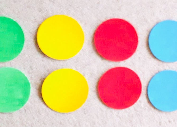 3 Pappdeckel-Farb-Spiele (inkl. Basteltipp)
