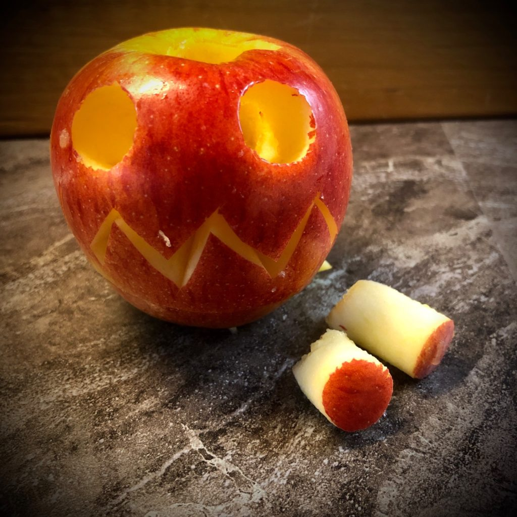 Apfel-Gesicht (Apfel schnitzen)