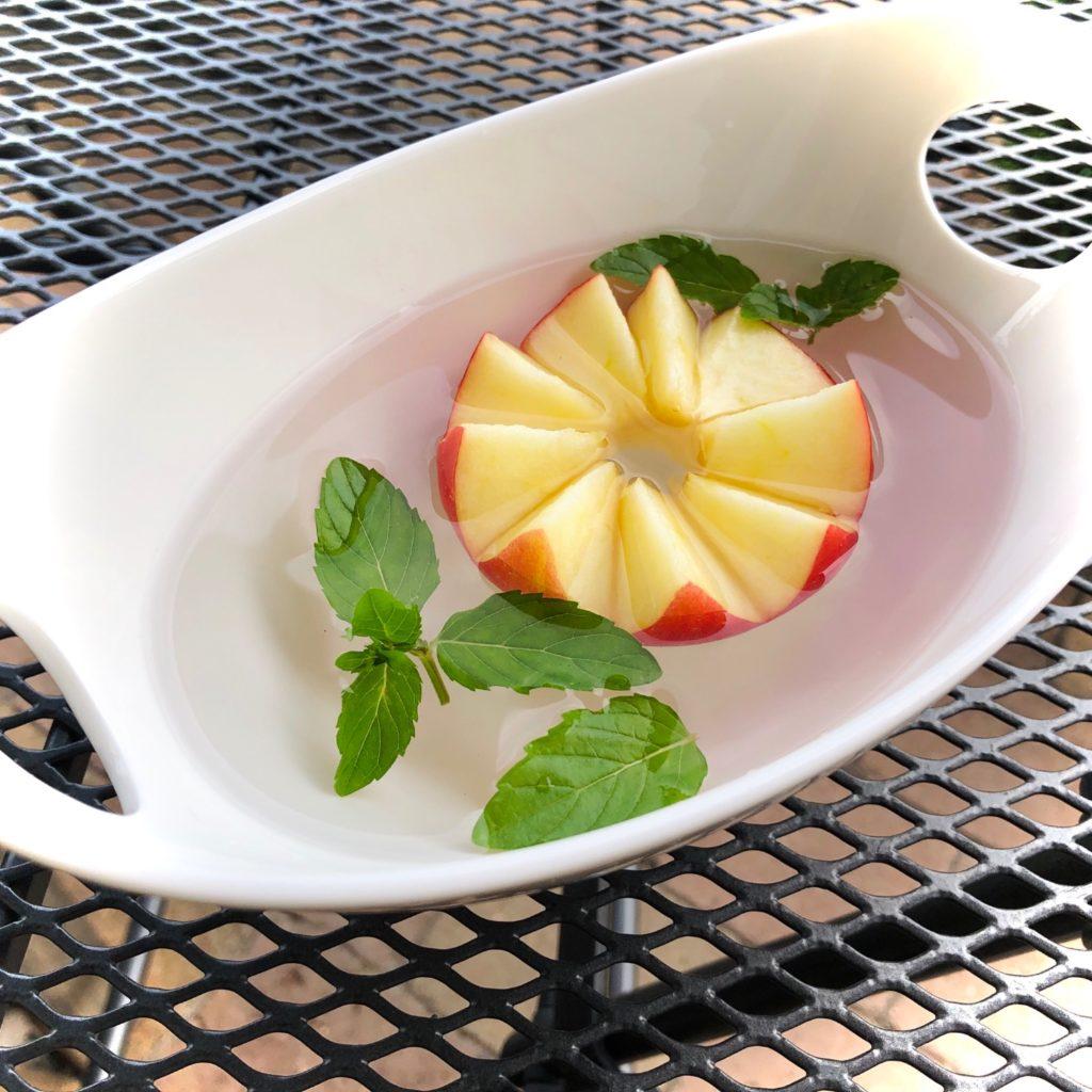 Apfel-Seerose (Apfel schnitzen)