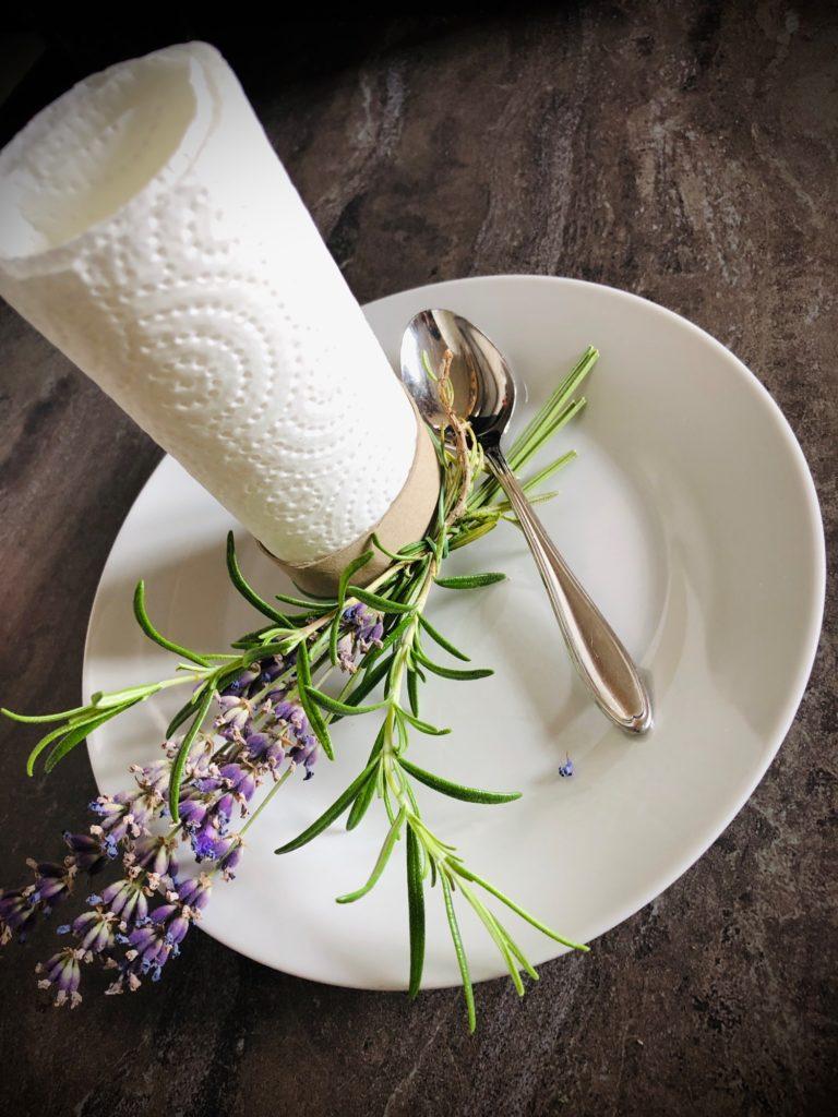 Lavendel-Tischdekoration (einfach)