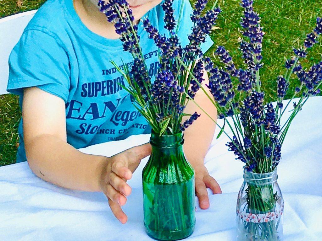 Lavendelstrauß im Glas