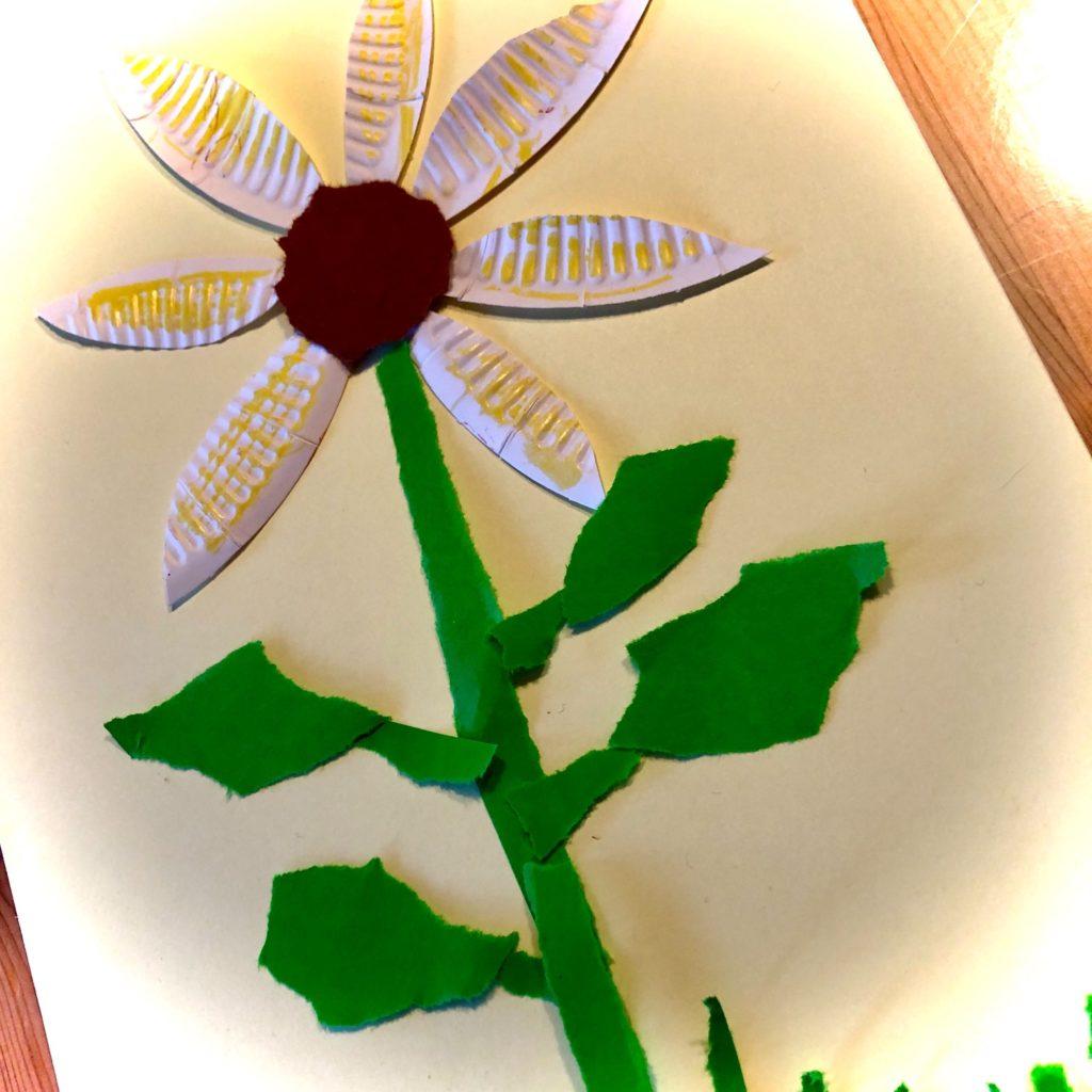 Sonnenblume mit Pappteller-Blüten